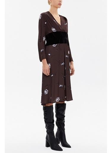 Societa V Yaka Kadife Kumaş Kombinli Midi  Elbise 92485 Kahve